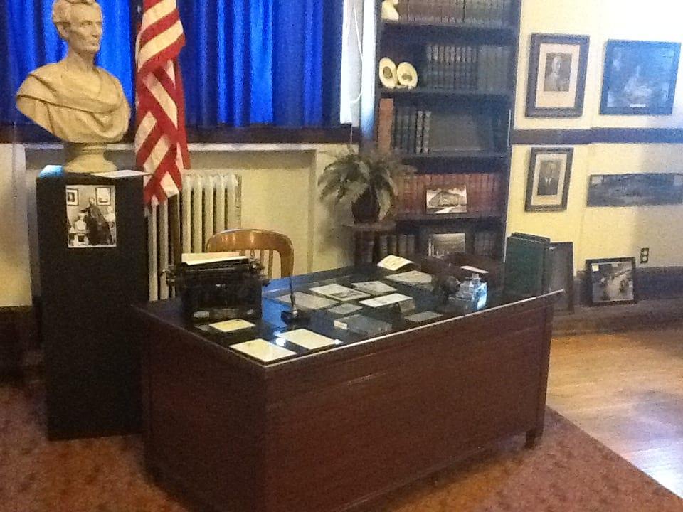 Coolidge Desk